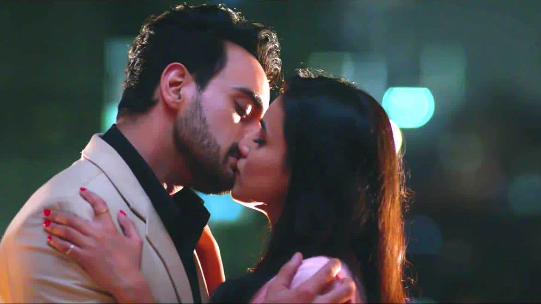 Watch Ishq Aaj Kal Season 1, a ZEE5 Original in full HD| ZEE5