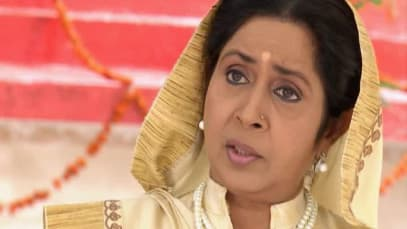 Yahan Main Ghar Ghar Kheli S3 - Episode 46 - August 18, 2019 - Full Episode