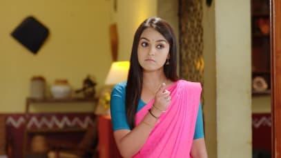 Dhruva Steals Suhasini's Money