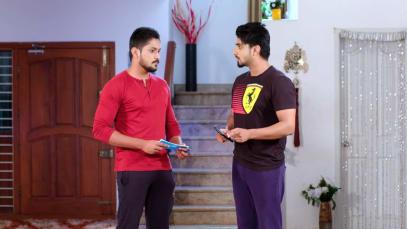 Vikrant Tries to Romance Aarati