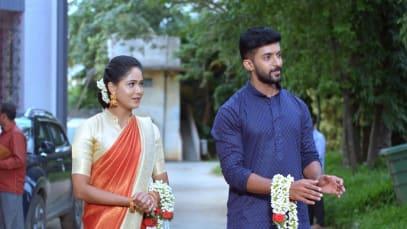 Aditya and Paarvathi Get Married