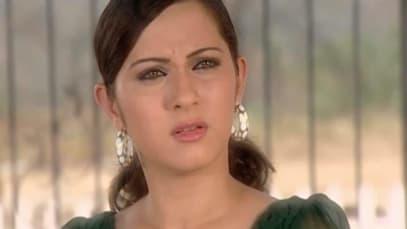 Yahaan Main Ghar Ghar Kheli S1 - Episode 30