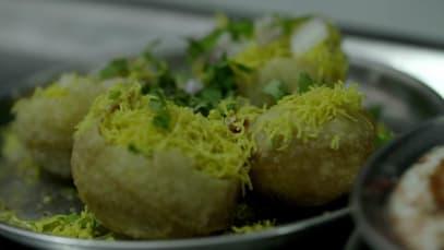 Chef Gautam makes Karela Ki Yakhni Biryani - Food Tripping