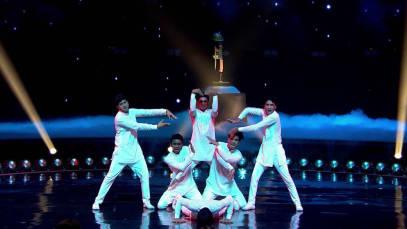 Tantsuy, Indiya, tantsuy! Bitva chempionov Episode 15
