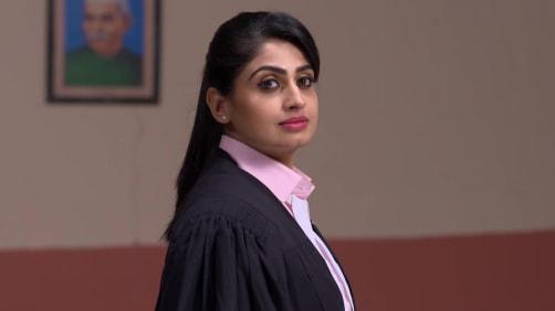 Sravani takes up a case against Manikyal Rao - Akka Chellellu
