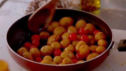 Episode 4 - Mango Corn Mint Salsa - Femme Foodies