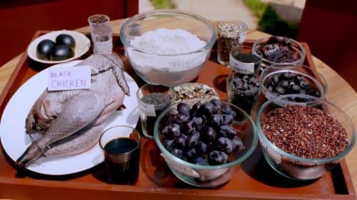 Episode 18 - Khasi Shakla and Spiced Chicken - Femme Foodies