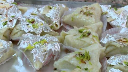 Episode 5 - Malai Pan - Rocky And Mayur's Food Xpress