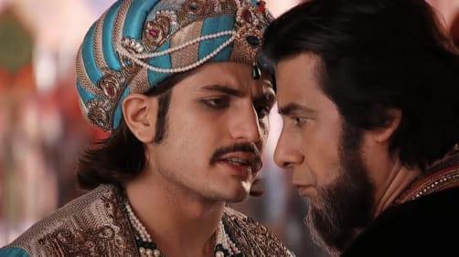 Mainawati consoles an unhappy Jodha - Jodha Akbar