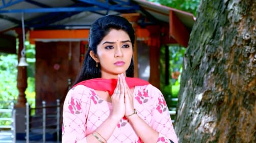 Priya Secretly Watches Aryavardhan