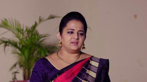 Geetha Confronts Saroja