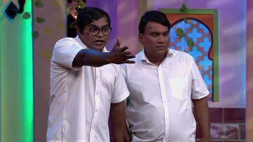 The award ceremony entertains everyone - Chala Hava Yeu Dya - Utsav Hasyacha